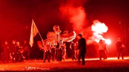 informationen - Drachentanz im Feuerwerk