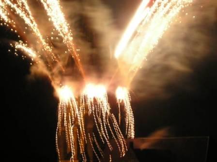 kirchturmfeuerwerk im rahmen der lichtrouten lüdenscheid - weitere infos klicken