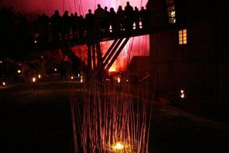 """Feuerwerk """"Luise heizt ein!"""" - ein Festival des Windes - mit Turbulenz, Luisenhütte in Balve, am Wocklumer Hammer"""